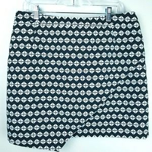 H&M Asymetrical Hem Black & White Geometric Skirt